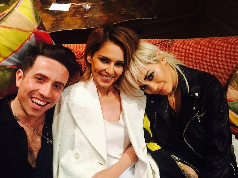 Let's do this @grimmers @cherylofficial @simoncowell @TheXfactor #xfactor http://t.co/l7blKnlO8h