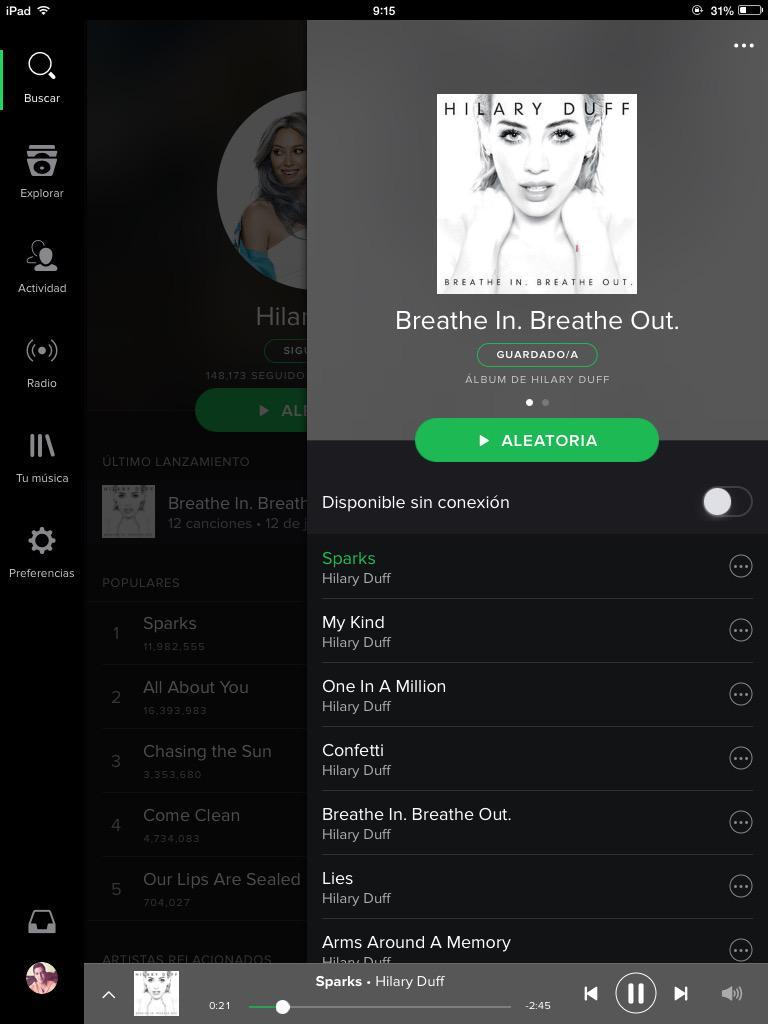 Amo el nuevo verde de @SpotifyMexico y ya disponible #BreatheInBreatheOut de @HilaryDuff awww http://t.co/haJsVzxpB3
