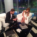As you can tell from this photo, @JasonKennedy1 is cracking me up on @enews tonight! Tune in :) http://t.co/a7aI9hOHif