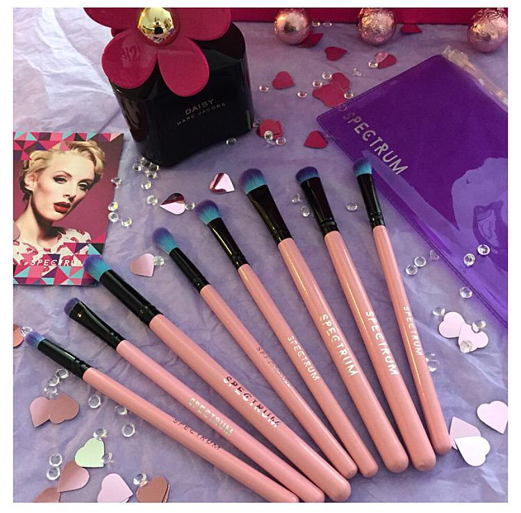 Fancy winning this @Spectrumbrushes set?