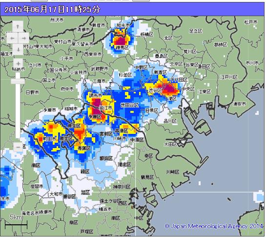 【降雨情報】 この後、千代田区などで局地的な猛烈な雨が予想されています。 外出中の方は、警戒してください。 http://t.co/0ZtkkzBGgM