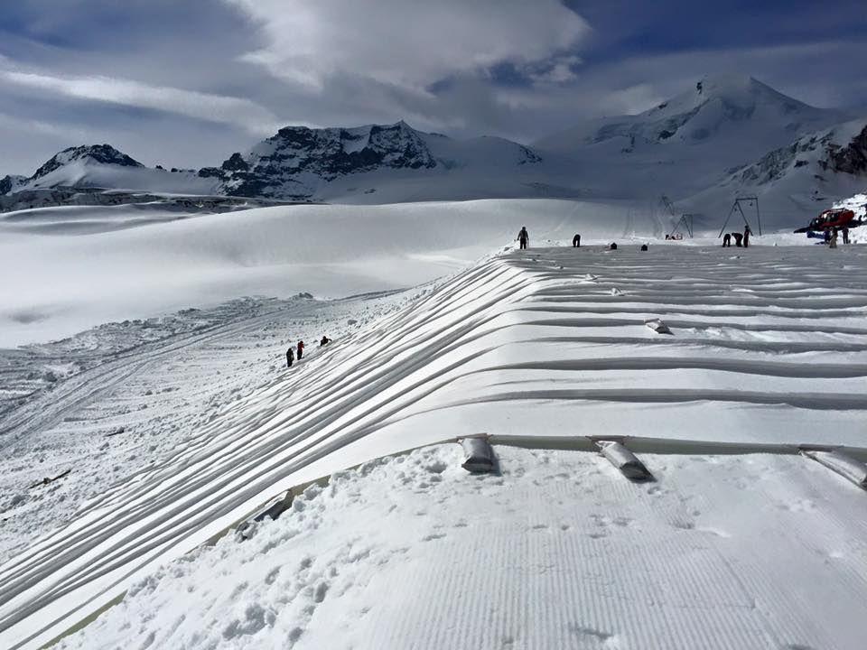 sneeuwhoogteseu : Wist je dat... ze in Saas Fee de gletsjer ...