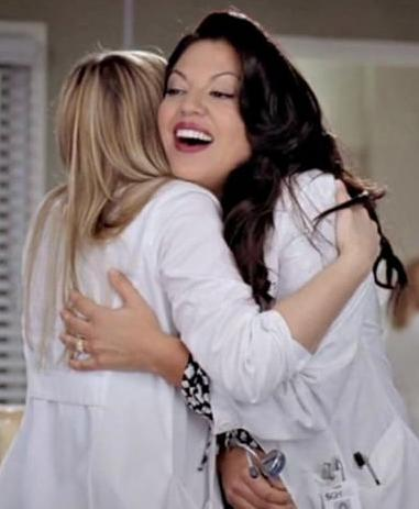 Look at Calliope every time Arizona hugs her!  I miss my babies!! http://t.co/FKGWwI2NWN