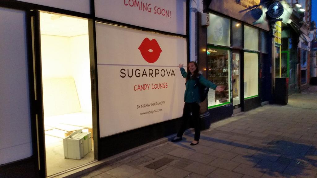 RT @HollyHamilton44: Can't wait for the return of #Sugapova downstairs all ready for Wimbledon! Sweets & juices so tasty! @MariaSharapova h…