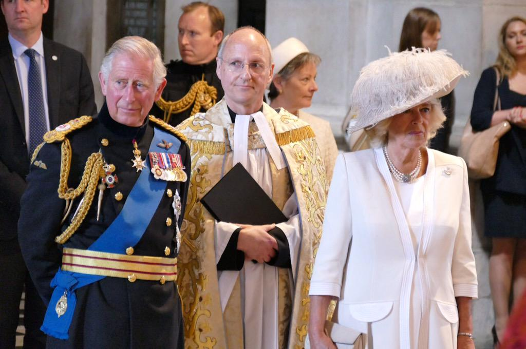 RT @StPaulsLondon: TRH The Prince of Wales and Duchess of Cornwall arrive for the #Waterloo200 service. http://t.co/4Tu74wxBLF