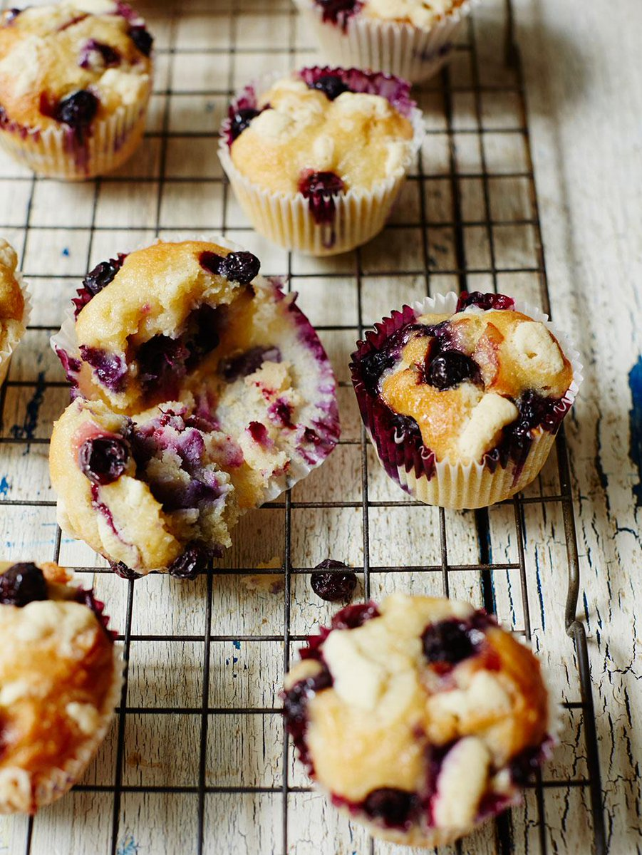#Recipeoftheday delicious #GlutenFree blueberry muffins with white chocolate for the weekend http://t.co/yzrorazfwA http://t.co/Q5lXnJmPsB