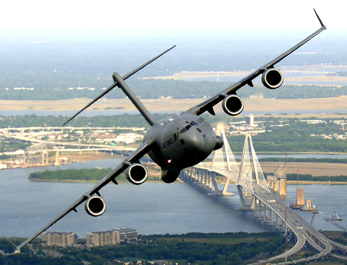 Qatar announced that it bought 4 of the 5 remaining C-17 Globemasters. #PAS15 http://t.co/9m2gWsIcPf http://t.co/BnhLZrIWsw