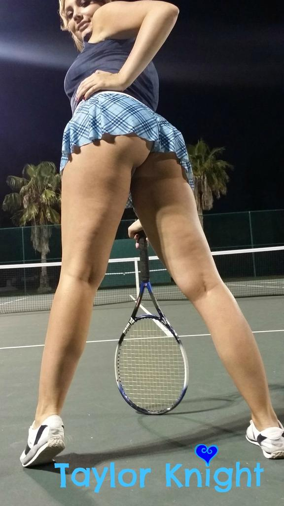 #tennis #thongthursday ?75 retweets= panties off zoomed?