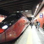 Ipotesi di abbonamento unico Ora Italo risponde a Trenitalia: sui pendolari accordo possibile http://t.co/qQhDWH2AQj http://t.co/QdpH3N0wym