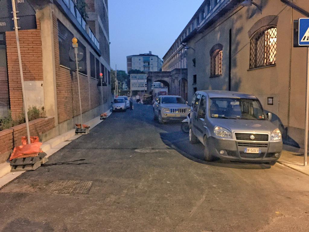 """RT @ferraro_filippo: #Tramvia #Linea2 Il cantiere A3 di Novoli si è esteso a causa del completamento dei lavori privati di via Tacchinardi …<a target=""""_blank"""" href=""""http://t.co/hw9lACf0pA""""><br><b>Vai a Twitter<b></a>"""