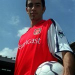 Morning. On this day in 2000 @Arsenal signed @piresrobert7. His former team-mates discuss him: http://t.co/fTmjzcGdI5 http://t.co/HT2IH9BAFw