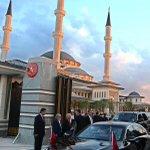 Ak Sarayın içindeki Caminin Kaçak Saraya tepkiyi azaltmak ve meşruiyet kazandırmak için yapıldığını biliyor musun? http://t.co/UNKERifLhI
