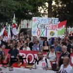Paris: Tausende protestieren für #Syriza, #Griechenland und gegen die #Sparpolitik http://t.co/BrniVOYONp http://t.co/tytG0bPT4f