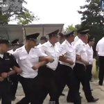 Как сочинская полиция встала на защиту свалки от журналистов и экологов - ВИДЕО http://t.co/QptRAo6htW http://t.co/WxmkpcObKz