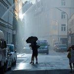 Habt ihr gestern auch über den #Regen im Gärtnerplatzviertel gestaunt? Hier der Grund: http://t.co/rKaRSlPoJB http://t.co/5WvsDBN0jl