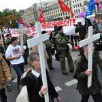 #Berlin: LINKE-Vorsitzende Kipping ruft zu Blockade von Kreuze-Marsch auf http://t.co/RF8t6Ah27K http://t.co/sP4tSD0x8o