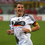 Bayern Munich are prepared to let Bastian Schweinsteiger join Manchester United. The move is in his hands. (BILD) http://t.co/eoeNJ7qut4