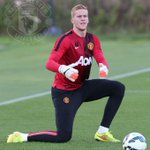 Best wishes from everybody at #mufc to goalkeeper Ben Amos, whos joined Bolton Wanderers today. http://t.co/foTjraIyZq