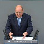 Was wäre in Deutschland los bei Rentenkürzungen von dreißig Prozent? Gregor Gysi im Bundestag #Griechenland http://t.co/HI2JxAnJGm