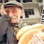 Düzce Depreminde 1999da çektiğim fotoğrafı kriz görseli olarak kullanan Yunanistan basını... http://t.co/X1Xy1BPL8R http://t.co/KOCwKpTxUz