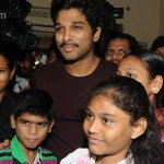 #AlluArjun fulfills the wish of sick fans  read @ http://t.co/pjqzijuhi7 http://t.co/SrtbAI2DCG