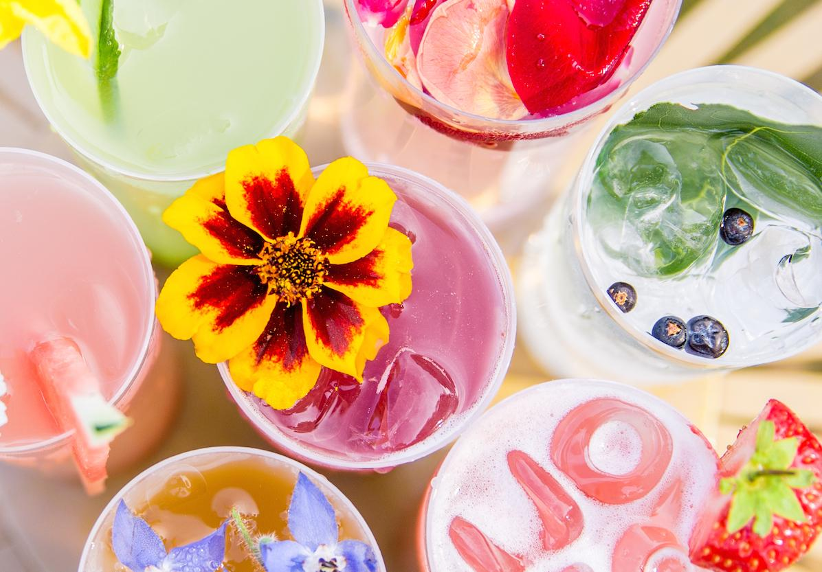 Our last 'Late' @kewgardens tonight - the drinks taste as good as they look!  Still here every weekend.  #no3andme http://t.co/Vz1ZOpSAsI