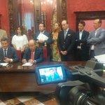 Biblioteca de las Palomas, Botellódromo, Alhambra... Medidas de acuerdo entre PP y @CsGranada http://t.co/1KfppfvnOd