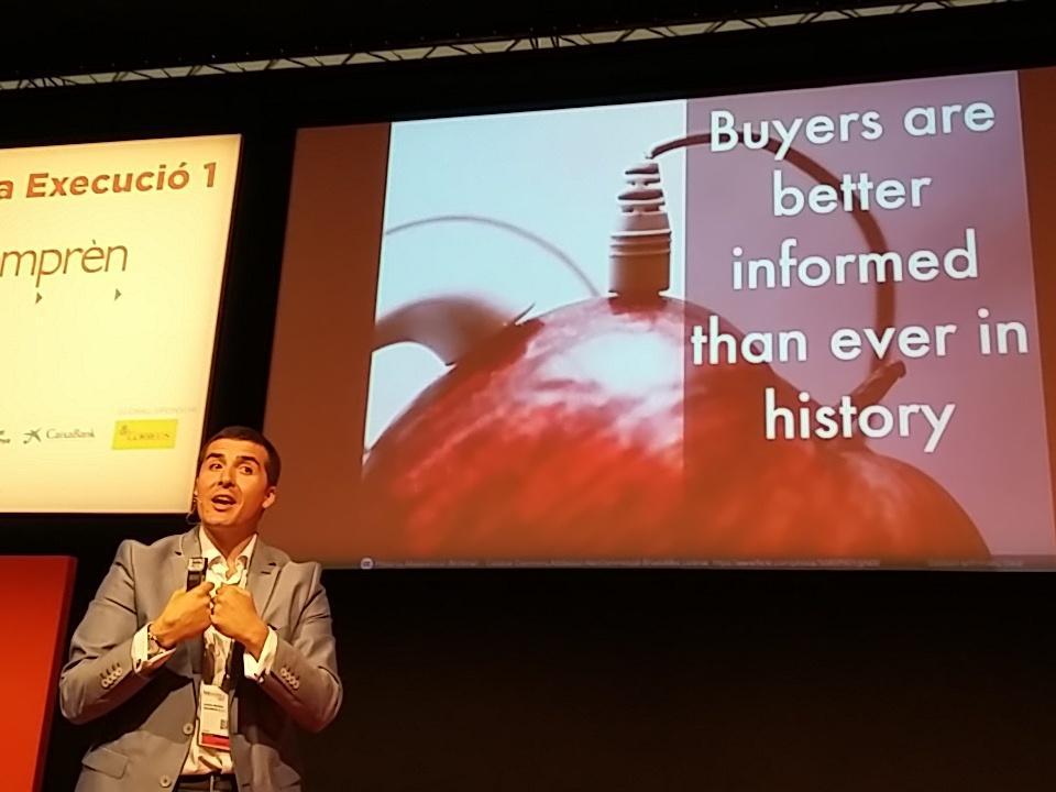 La decision de compra ya no esta en el punto de venta, internet es la clave @Emeritomartinez #BizBarcelona http://t.co/KPpinc8ZaH