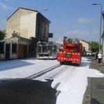 Un bus de TBC en feu avenue dArès : pas blessé, incendie maîtrisé #Bordeaux http://t.co/sktXscCUD0