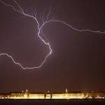 Des #orages localement forts attendus dans le Sud-Ouest mercredi soir http://t.co/s7MJfbwBX6 http://t.co/CyuhzwyxLp
