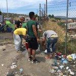 Overal vuil, diarree, huidinfecties, poep, stank, ellende. Karatape kamp #Lesbos De rand van Europa. Wat een schande. http://t.co/9BoltiaT7e