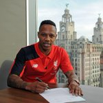 Photo confirmation of Liverpools new right-back, Nathaniel Clyne. (Source: @LFC) http://t.co/eHtKNSlsPh