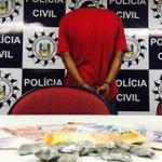 Traficante que agia próximo à escola de Viamão estava com crack e maconha http://t.co/TH9Ufwrn3S @RdGaucha http://t.co/x1j4Zbr2Ms
