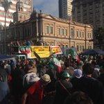 Av.Mauá está liberada. Agricultores da Fetag estão no Glênio Peres. Sem bloqueio no trânsito. #gaucha http://t.co/ctYg8UCwOt (@tbitencourt8)