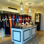#Bostons first brick-and-mortar designer dress rental store is now open: http://t.co/lAyM9uFCYE http://t.co/3FxV2YOlJT
