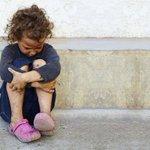☹ > La #pauvreté touche 1 enfant sur 4 en Wallonie, 2 sur 5 à #Bruxelles - Belgique - LeVif.be http://t.co/V1NRDVeOoE http://t.co/CkUDCg7R7d