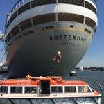 SPIKE kan alles. Zelfs abseilen van @de_rotterdam. #WKBeach2015 #Rotterdam http://t.co/9jicCzSjZE
