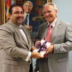 Visita de Cortesía de @MiguelManzi consultor político del hermano país de Uruguay. http://t.co/OK99AGf2Ly