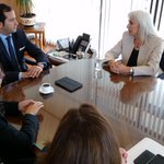 Int. @MitchelCartes se reunió con la nueva directora de @Saludtarapaca y la @SeremiSalud_I , por proyectos del sector http://t.co/FpfhXIFvBC