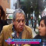 VIDEO: Repugnante. Padre de productora de #EEG, @cathysaenz, escupe a reportera. @rodgonzalezl http://t.co/TPe4x1sCd2 http://t.co/rUivWAAy0y