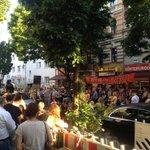 Bizim Bakkal bleibt.Sagen die Anwälte des neuen Eigentümers: Kündigung zurückgezogen. #bizimkiez http://t.co/y2xSBYvUOG