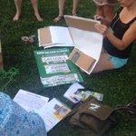 #alternatiba @alternatibagre dernières préparation daffiches pour larrivée du #touralternatiba à #grenoble. http://t.co/u7VerBsEGu