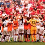 1 Team, 1 Dream!!!! Ready to give it our everything.... Come on @england ⚽️????❤️ #Eng #Eng #Eng http://t.co/r42Th66qfH