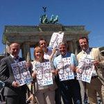 """So sieht es aus, wenn CDU-Promis """"Ja zur Ehe"""" sagen.. @Kai wegner @TinaSchwarzer #berlin #ehefueralle http://t.co/QhbhNygRFi"""