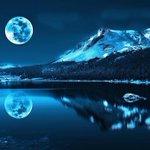 Сегодня ночью белорусы увидят уникальную голубую луну. Явление случается только 1 раз в три года. http://t.co/C34YhQB44Y
