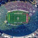 Remember that one time Oregon played a home game in Pasadena? #GoDucks http://t.co/OnTiZGLLbl