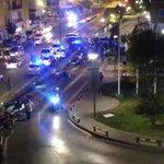 Altercados en la puerta del Hospital Virgen del Rocio en la barriada de Bami. @TDSevilla #TDSActualidad http://t.co/O9zBbAABNq