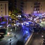 Gran despliegue policial en el Virgen del Rocío por una posible reyerta | Foto vía @joseparrafdez | @DIRECTOSEVILLA http://t.co/YOsOjLcVPo