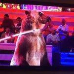 Asco de programa. Los animales no son un juguete para reírse de ellos. Dais asco @telecincoes. #VayaFauna1 http://t.co/TqBgyMT5Nc