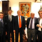 Quién falta en esta foto? Exacto,el cuello de Felipe González http://t.co/C8cKlk2TgC
